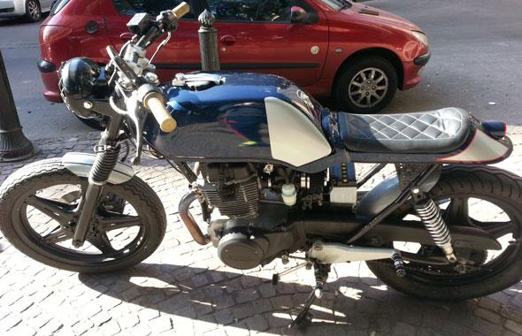Moto Honda CB 400