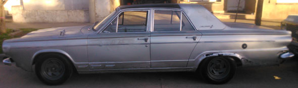 Car Chrysler Valiant 3