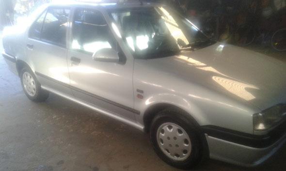 Car Renault 19