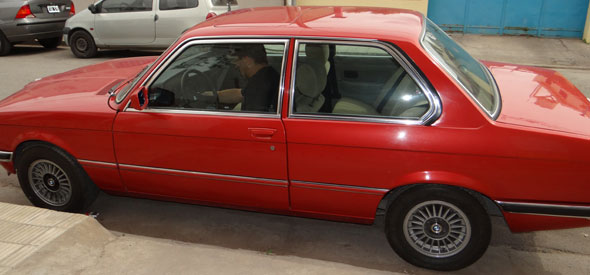 Auto BMW 1980 323i