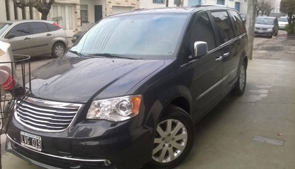 Auto Chrysler Town Country