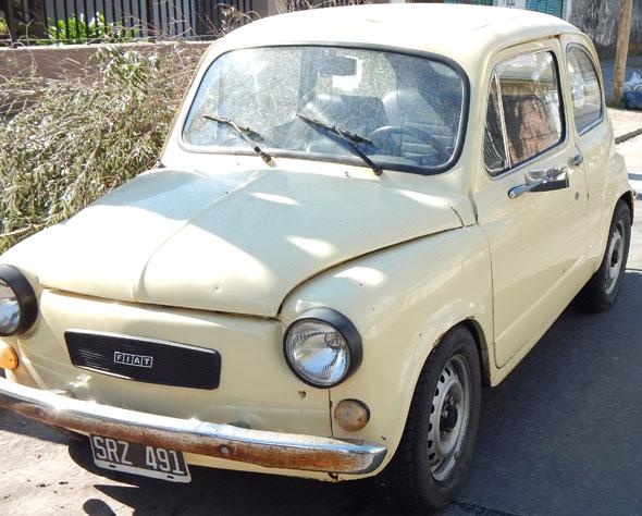Car Fiat 600 S