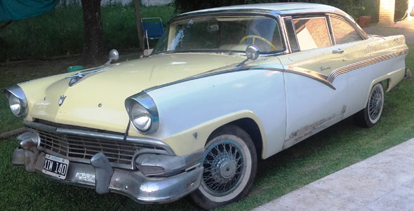 Auto Ford Victoria Coupé