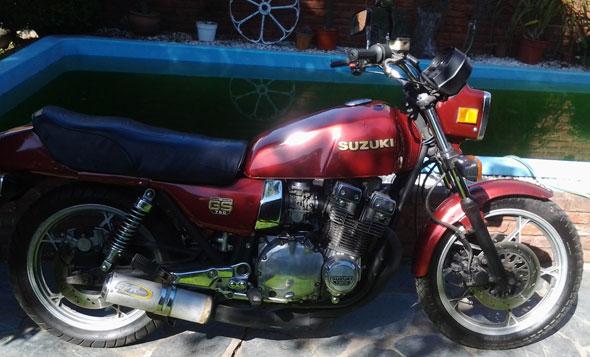 Moto Suzuki GS750 1981