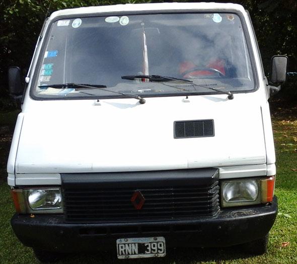Car Renault Trafic 1990