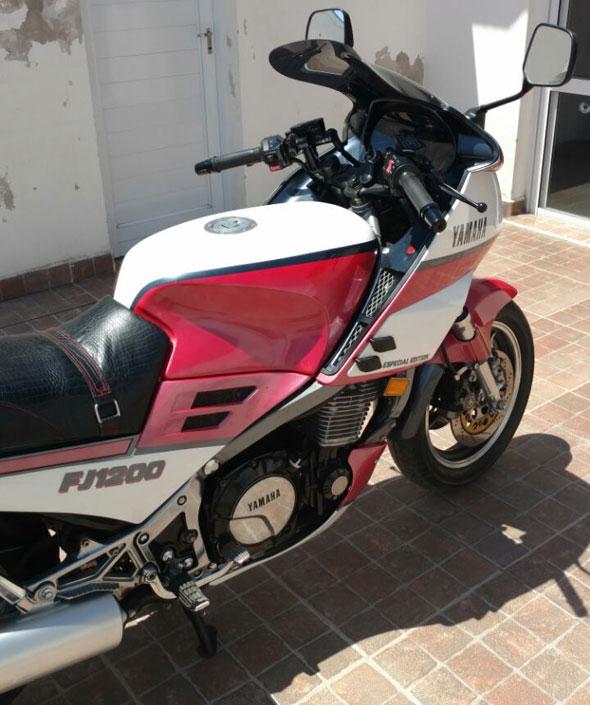 Moto Yamaha FJ 1200 Edición Especial