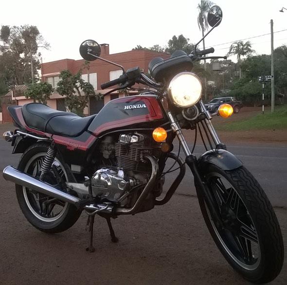 Motorcycle Honda CB400T
