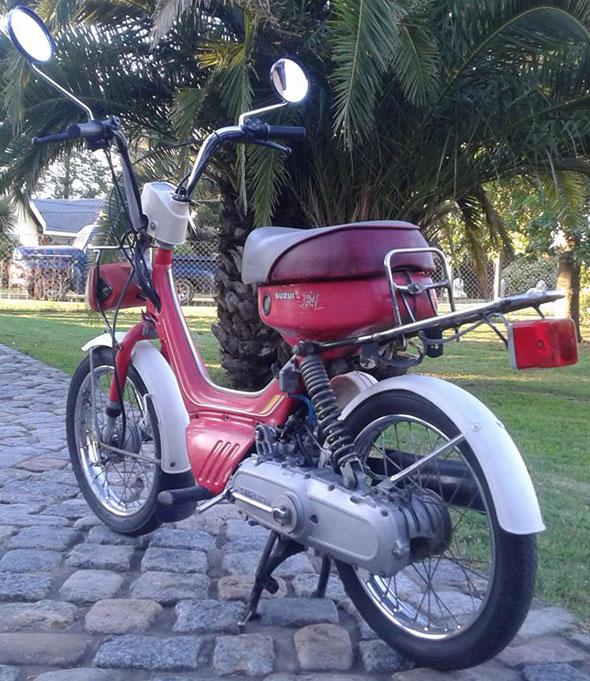 Motorcycle Suzuki Fa