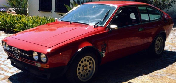 Car Alfa Romeo Alfetta GTV 2000