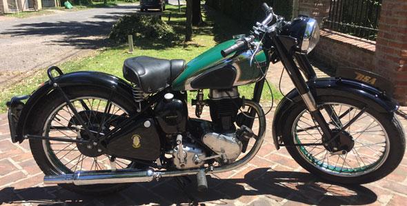 Motorcycle BSA C11 250 1947