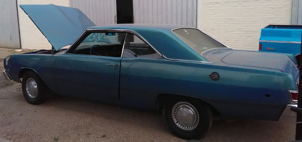 Car Dodge Dart Swinger