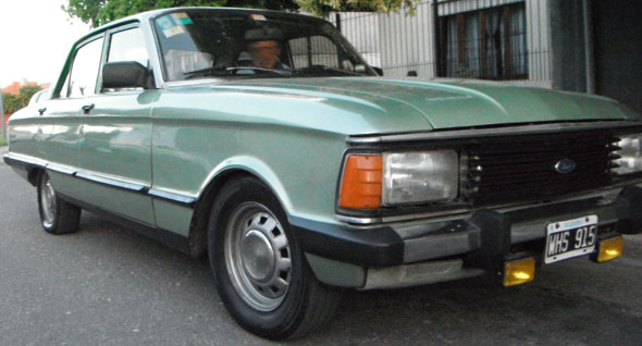 Car Ford Falcon 1987