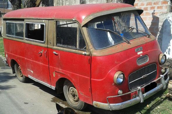 Car Fiat 1100 T2