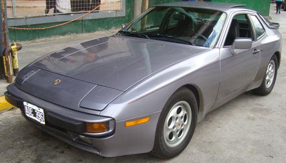 Auto Porsche 944 S