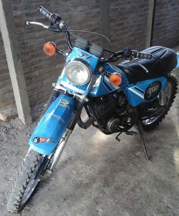 Motorcycle Suzuki TS 185