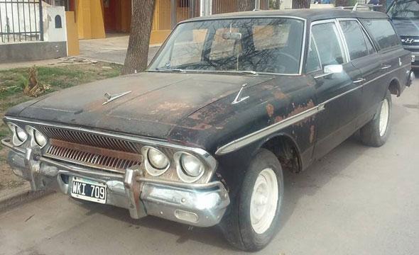 Car IKA Rambler Cross Country