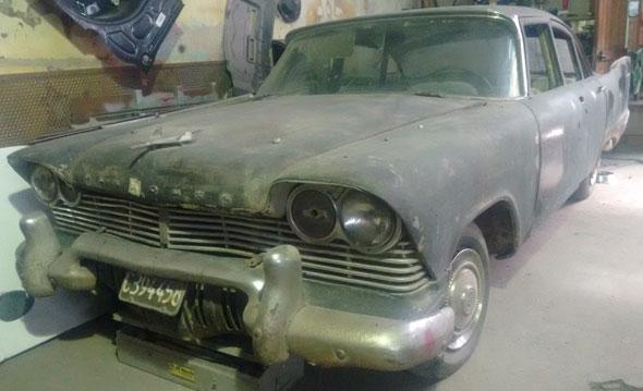 Auto Plymouth 1957