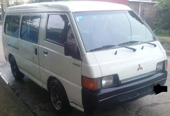Auto Mitsubishi L300