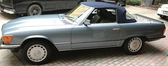 Car Mercedes Benz 280 SL