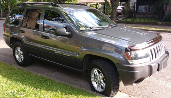 Car Jeep Grand Cherokee Laredo 2004