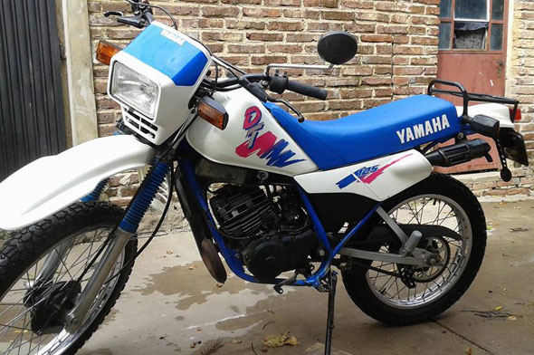Motorcycle Yamaha DT 125