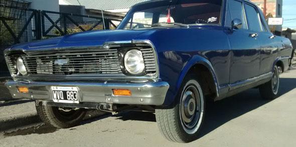 Auto Chevrolet 400S
