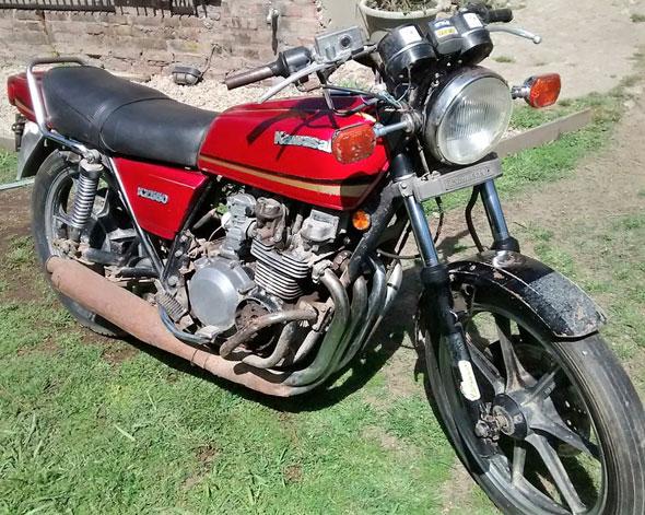 Moto Kawasaki KZ 550 1981