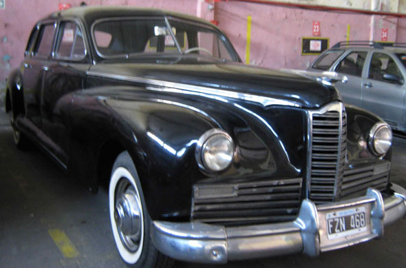 Auto Packard Limo 1947