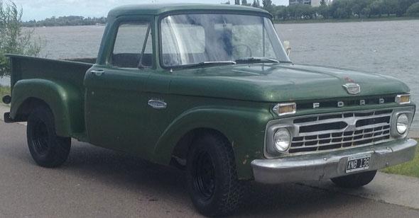Auto Ford F-100 1966