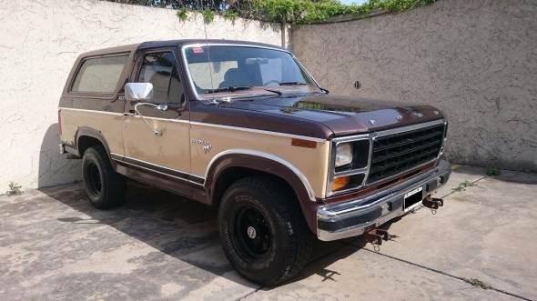 Car Ford Bronco 1981