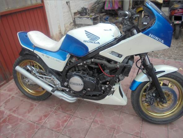 Moto Honda VF 750