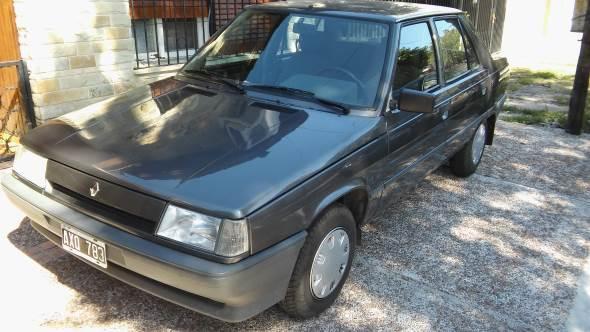 Car Renault 9