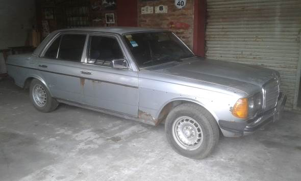 Car Mercedes Benz 300 D 1977