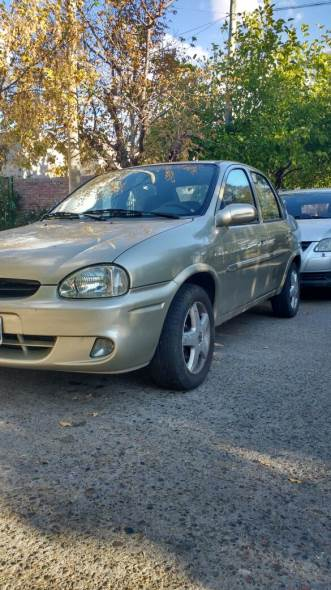 Car Chevrolet Corsa Classic Super 1.6