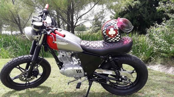 Motorcycle Suzuki GN 125 Custom