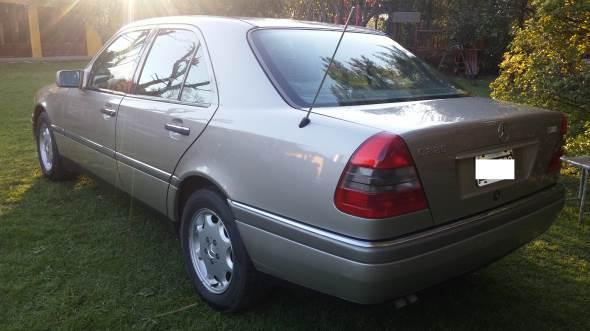 Auto Mercedes Benz C220