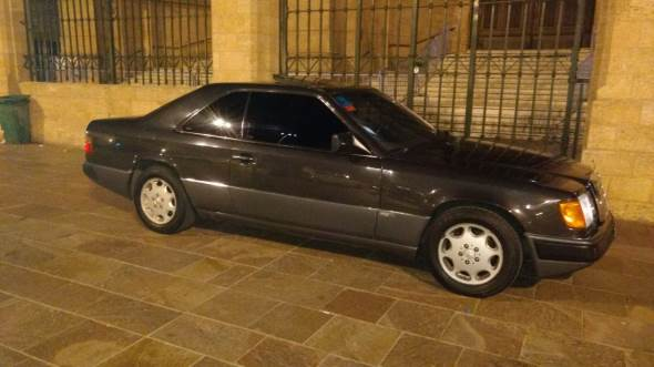 Car Mercedes Benz 1992
