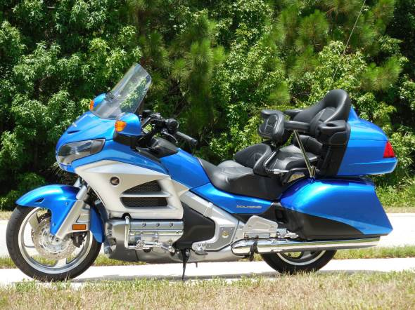 Auto Honda Goldwing GL1800