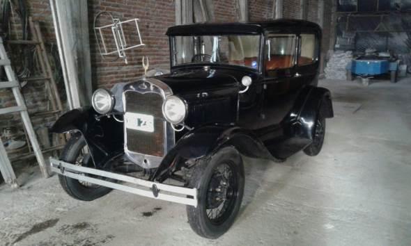 Car Ford A Tudor 1930