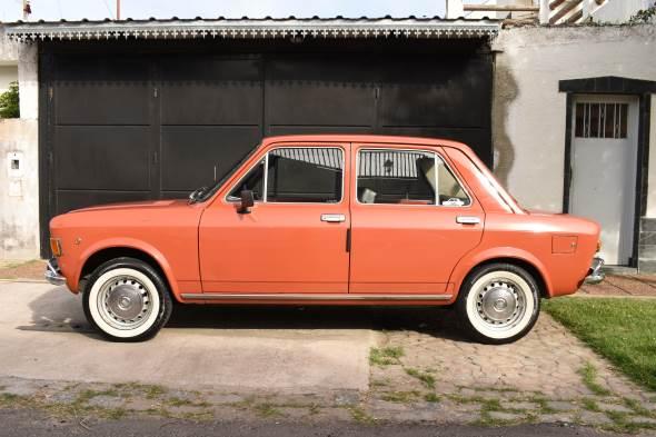 Car Fiat 128 Berlina