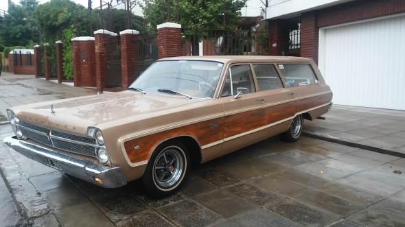 Car Plymouth Fury