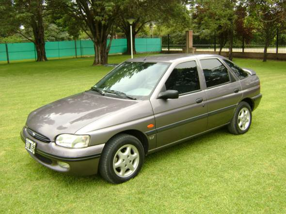 Car Ford Escort CLX 1997