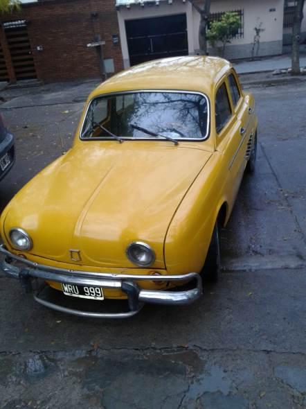 Car Renault Dauphine 1962