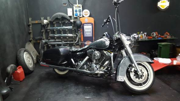 Moto Harley Davidson Road King Custom