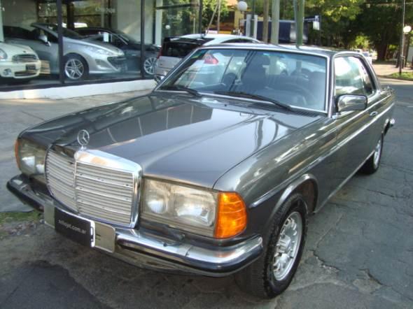 Car Mercedes Benz 230 CE Coupé