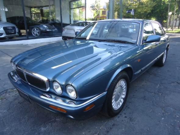 Car Jaguar JX8 3.2 V8