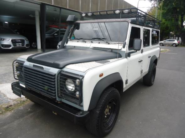 Car Land Rover Defender