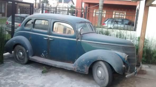 Auto Ford V8