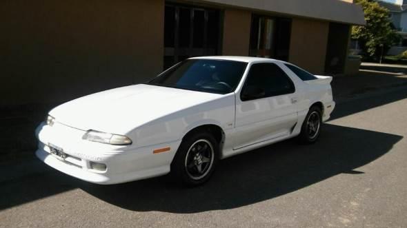 Car Chrysler Daytona Coupé V6 3.0