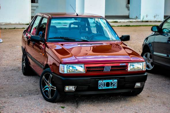 Car Fiat Duna